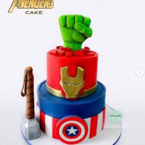 Torta Avengers en Medellín Dulcepastel
